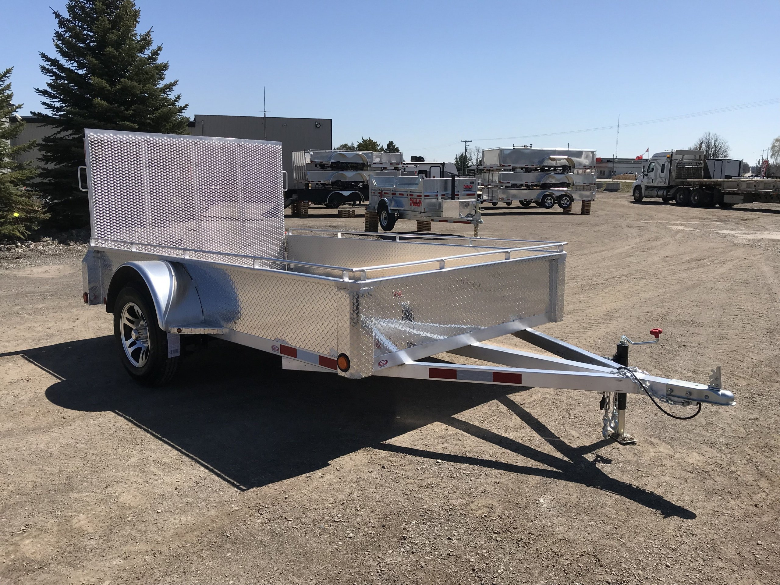 2021 ALL ALUMINUM ACTION SERIES 6X10 SINGLE AXLE UTILITY TRAILER WITH REAR MESHED STRAIGHT GATE + ALUMINUM RIMS STD & BONUS TOP TIE DOWN RAILS!! - SERIAL# 4211